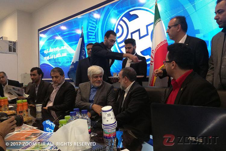 محمدرضا عارف: استفاده از ابزارهای شبکه اجتماعی حق مردم است