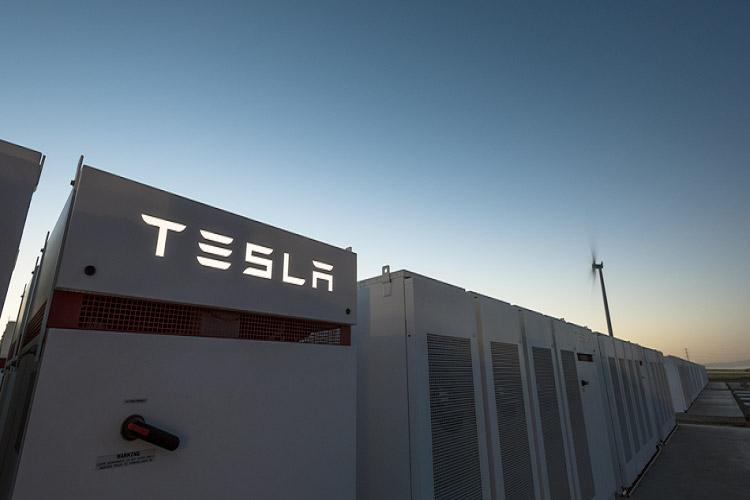 تسلا بزرگ ترین باتری دنیا را ۱۰۰ روزه در استرالیا ساخت