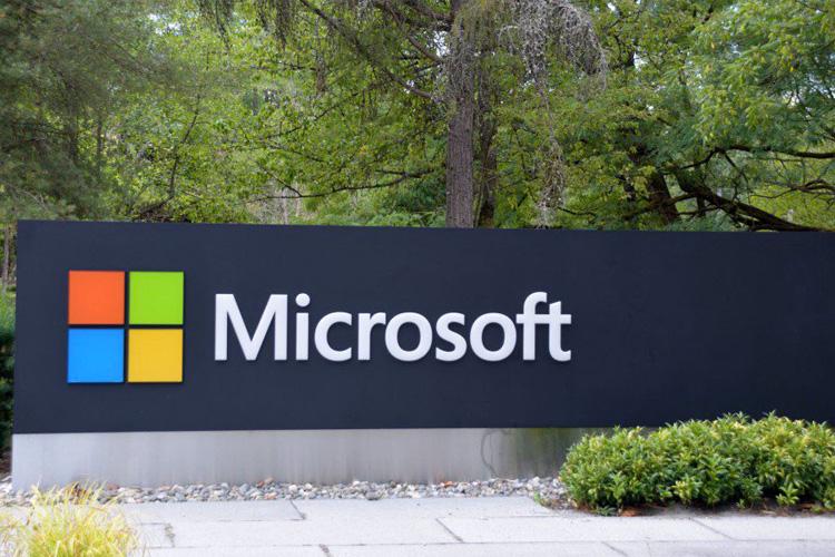 مایکروسافت آگهی استخدامی با محوریت سرفیس مبتنی بر آرم منتشر کرد