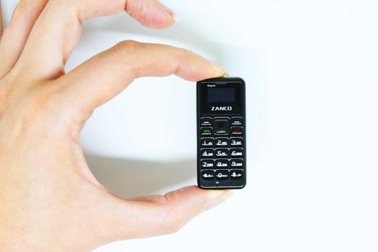 کوچکترین تلفن همراه جهان کمتر از ۵۰ دلار قیمت دارد