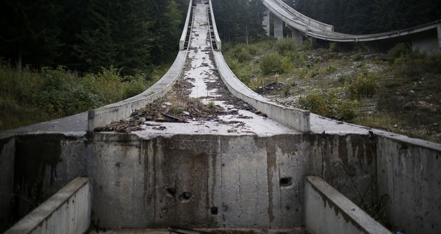 جنگ چه بلایی بر سر شهر میزبان المپیک زمستانی 1984 آورد؟
