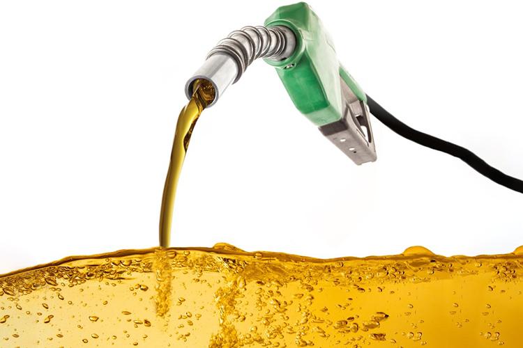 ترامپ به دنبال افزایش مالیات سوخت