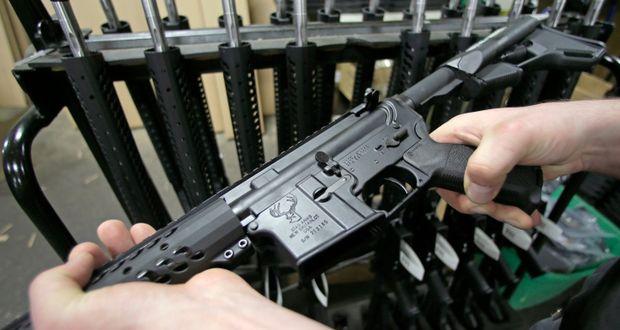 اسلحه AR-15 ؛ سلاح مورد علاقه آمریکاییها برای تیراندازیهای مرگبار