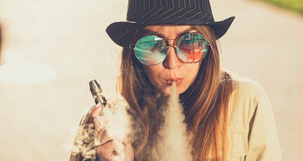 کشیدن سیگار الکترونیکی چه تاثیراتی بر روی سلامتی میگذارد؟