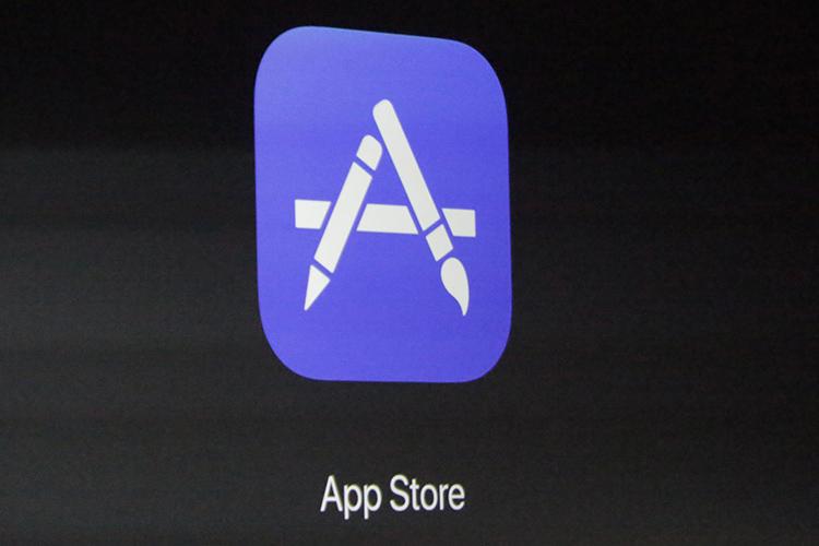 برای نخستین بار، تعداد اپلیکیشنهای اپ استور اپل با کاهش روبرو شد