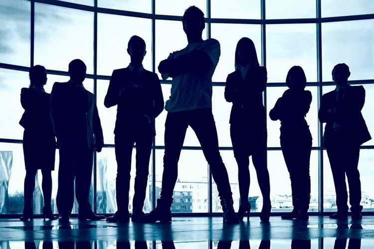 سبک رهبری ضعیف و چالشهای سازمانی