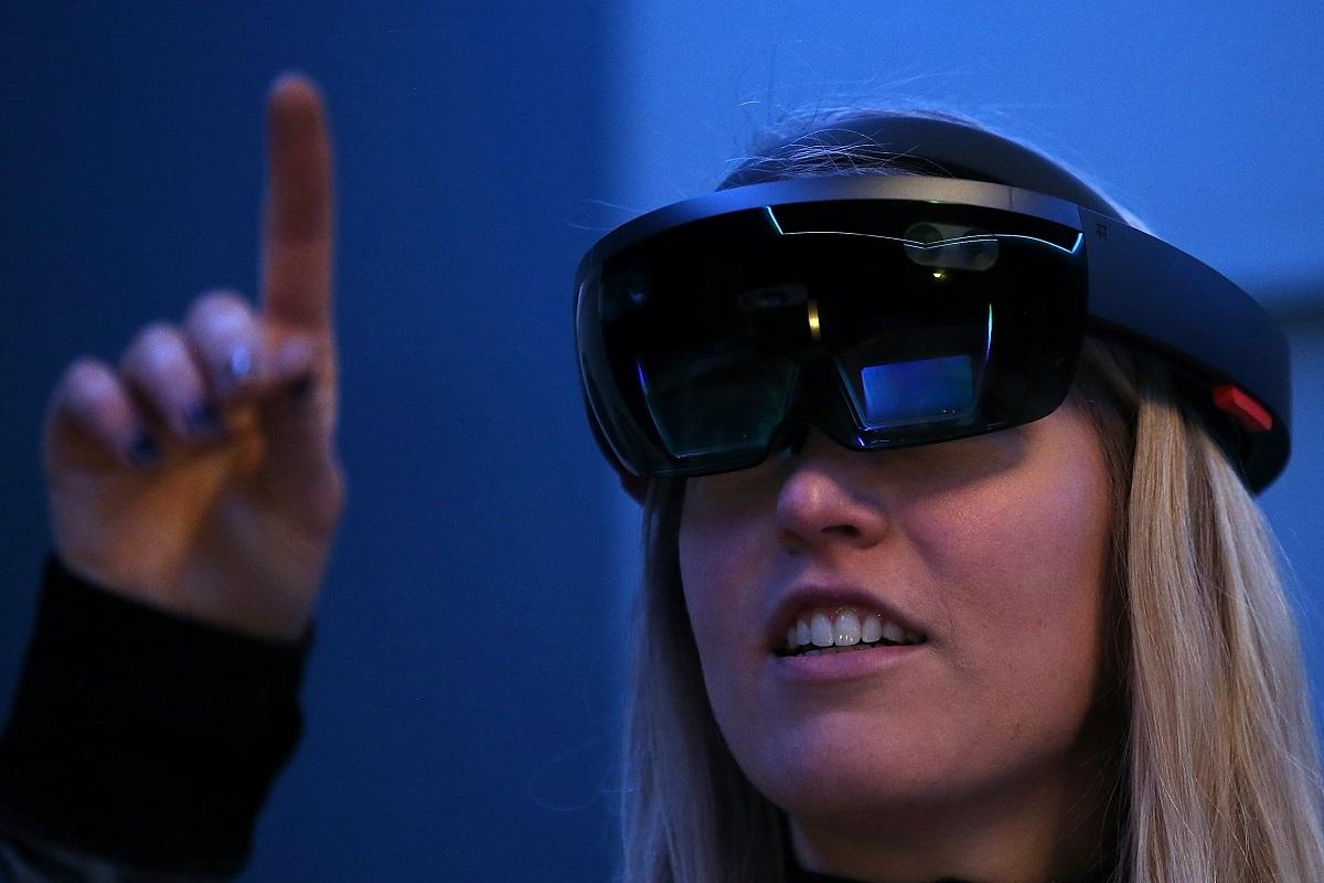 هولولنز 2 از نسل جدید سنسورهای کینکت بهره خواهد برد