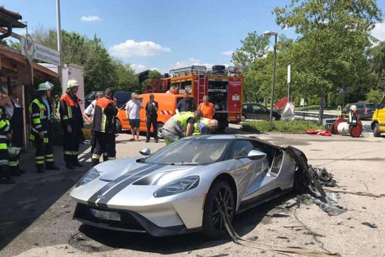 سوپراسپرت فورد GT مدل ۲۰۱۷ در آلمان آتش گرفت