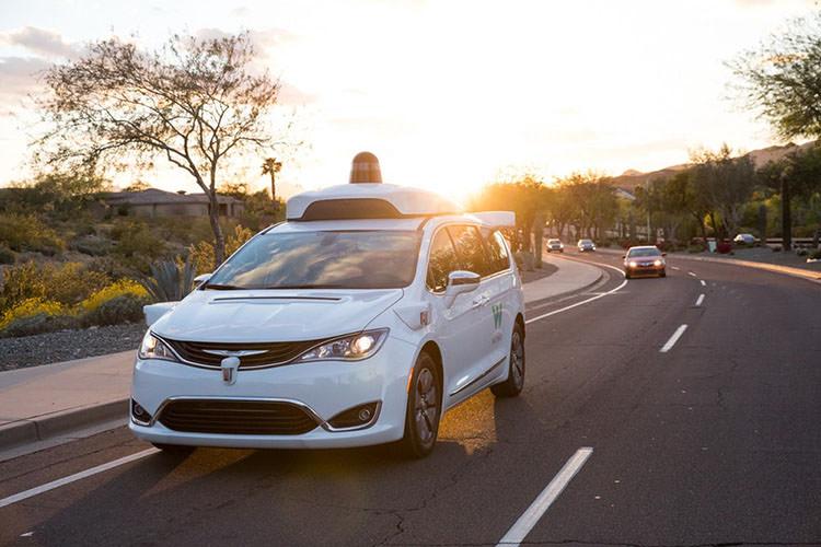برنامه ویمو برای ترویج استفاده از خودروی خودران گوگل