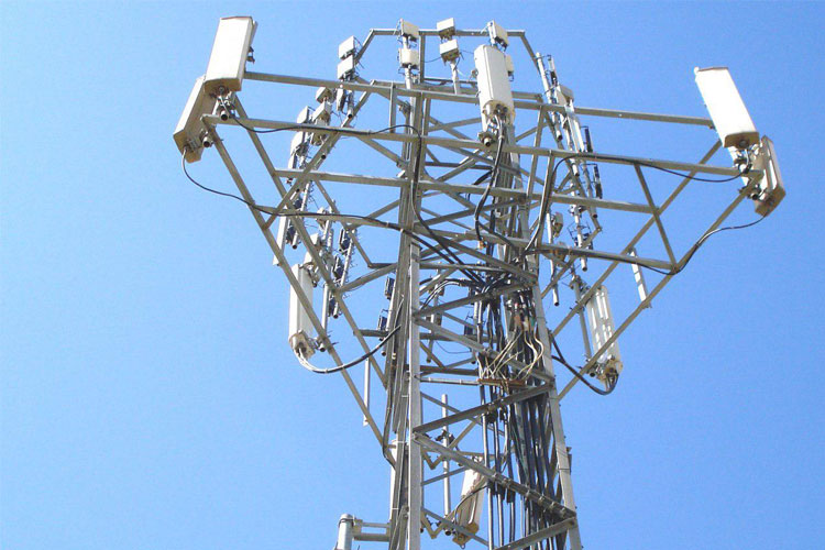 وزیر ارتباطات: پایش سطح تشعشات آنتنهای مخابراتی و یکسانسازی آنتنهای سه اپراتور