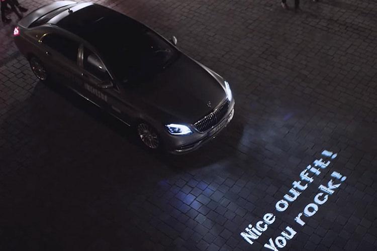 فناوری چراغ دیجیتال مرسدس بنز؛ با قابلیت نمایش متن روی جاده