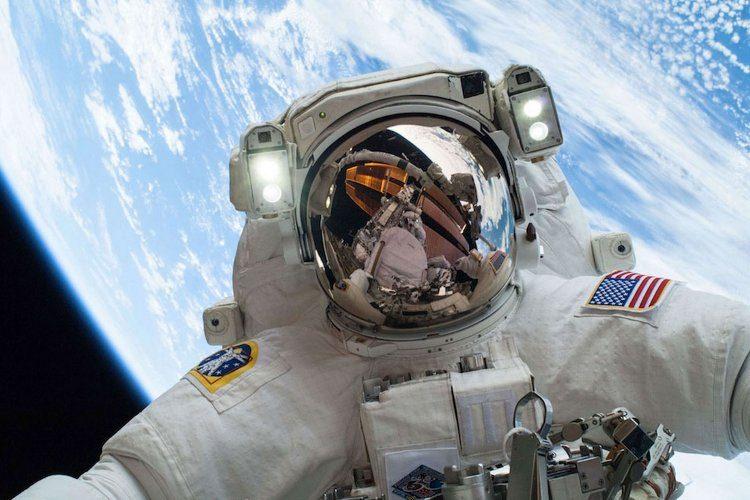 با اپلیکیشن NASA Selfies سلفیهای فضایی بگیرید