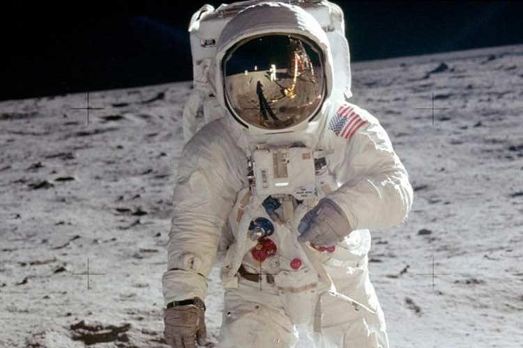 تصمیم روسیه برای بررسی واقعیبودن فرود آمریکاییها روی ماه