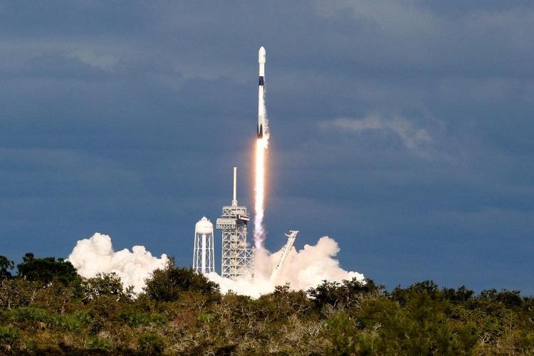 پرتاب ۶۴ ماهواره به فضا توسط اسپیس ایکس و ثبت رکوردهای جدید