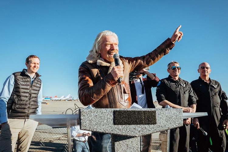 بنیانگذار ویرجین گروپ: پروازهای فضایی تجاری از سال آینده آغاز خواهند شد