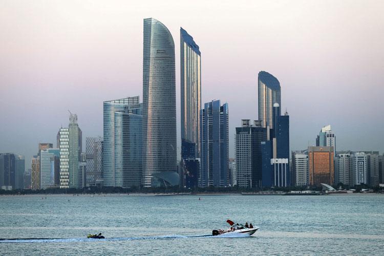 داستان تشکیل گروه هکری امارات متحده با همکاری مأموران سابق امنیت آمریکا