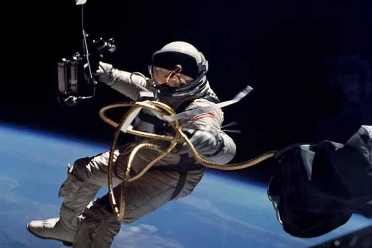 اولین راهپیمایی فضایی تماما زنانه بهزودی انجام میشود