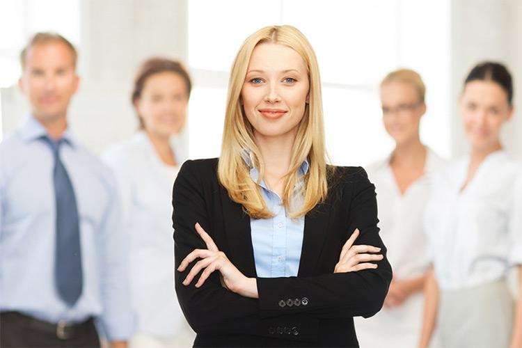 زنان برای پیشرفت شغلی به ارتباط با یکدیگر نیاز دارند