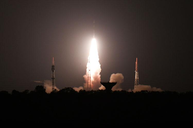 آزمایش موفقیتآمیز شلیک موشک ضد ماهواره در هند