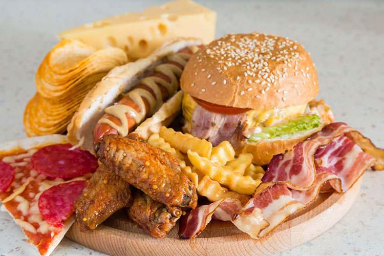 مصرف غذاهای فوق فراوریشده به افزایش وزن منجر میشود