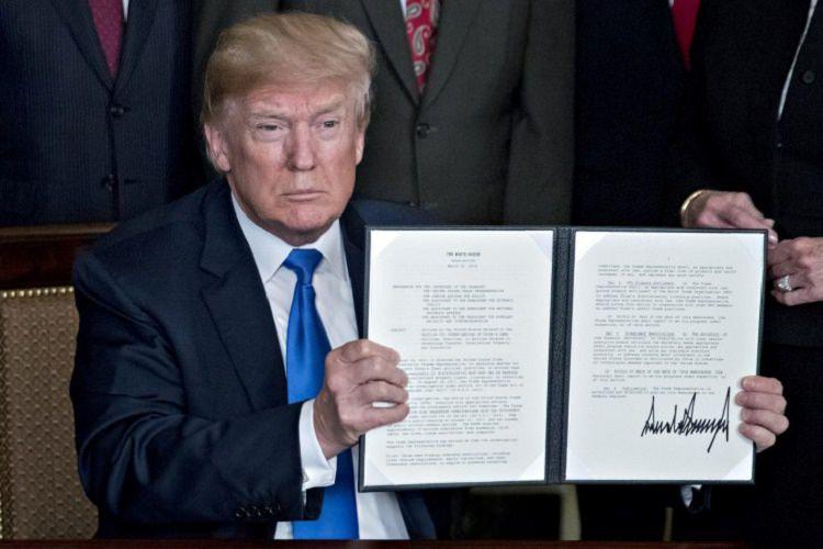 ترامپ با هدف محافظت از شبکهها وضعیت اضطراری ملی اعلام کرد