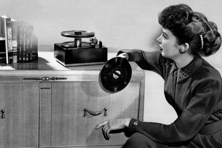 انقلاب صنعت موسیقی با صفحههای گرامافون 45RPM چگونه رخ داد