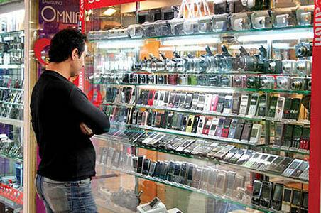 رکورد واردات تلفن همراه شکست/ قیمتها کاهش یافت